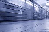 Fotografie Pod rozjetý vlak
