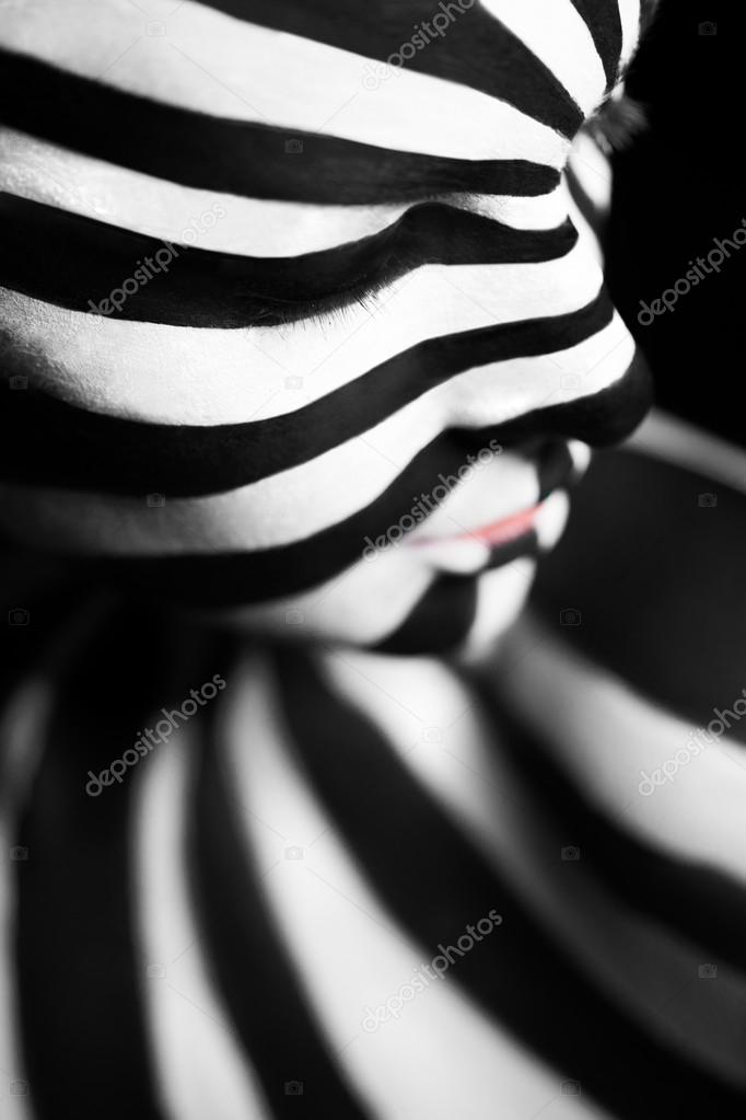 Spiral Bodyart On The Body Of A Young Girl Stock Photo C Nick Thompson 65667139