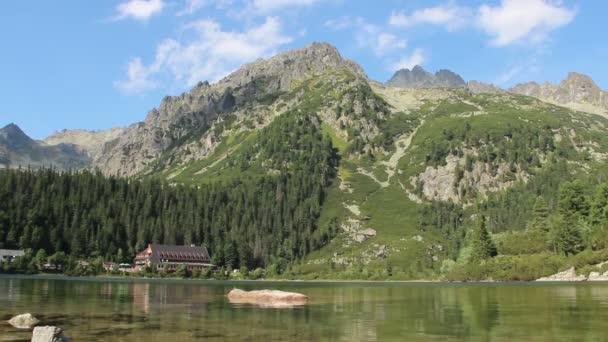Poprad jezera ve Vysokých Tatrách