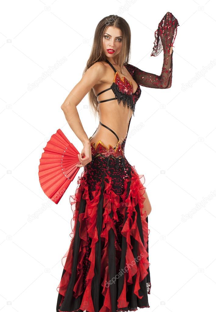 Sexy donna tradizionale Flamenco spagnolo danzante in un vestito rosso con  un ventilatore bianco — Foto di ... 43fe336ffc0