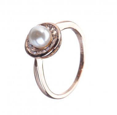 golden ring with pearl