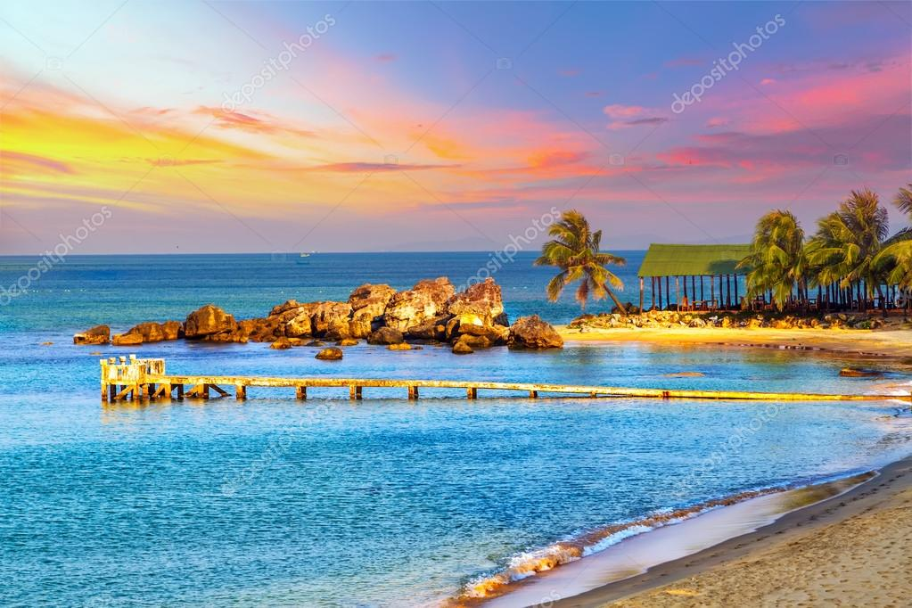 Фотообои Sunrise Tropical landscape sea