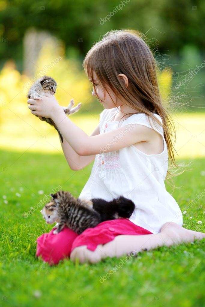 Κορίτσια μικρό μουνί φωτογραφίες