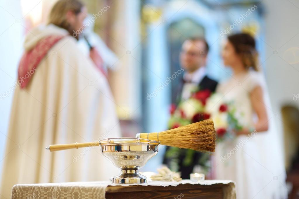 Katholische Trauung Stockfoto C Maximkabb 123165748