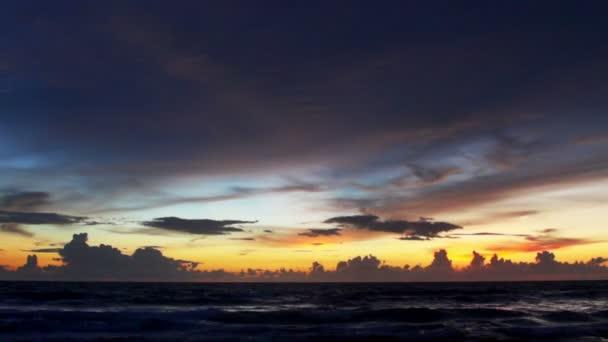 Nádherná pláž sunset v Thajsku