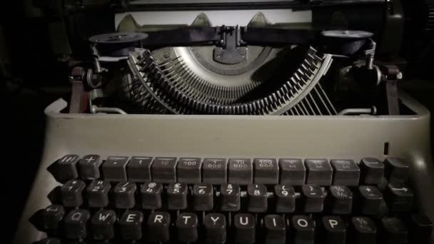 vecchia macchina da scrivere vintage nero