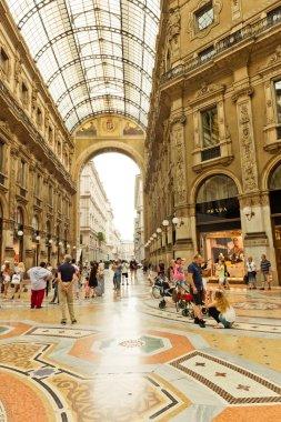 Shopping art gallery in Milan