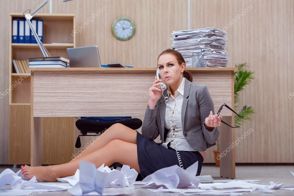 kancelář zaneprázdněna