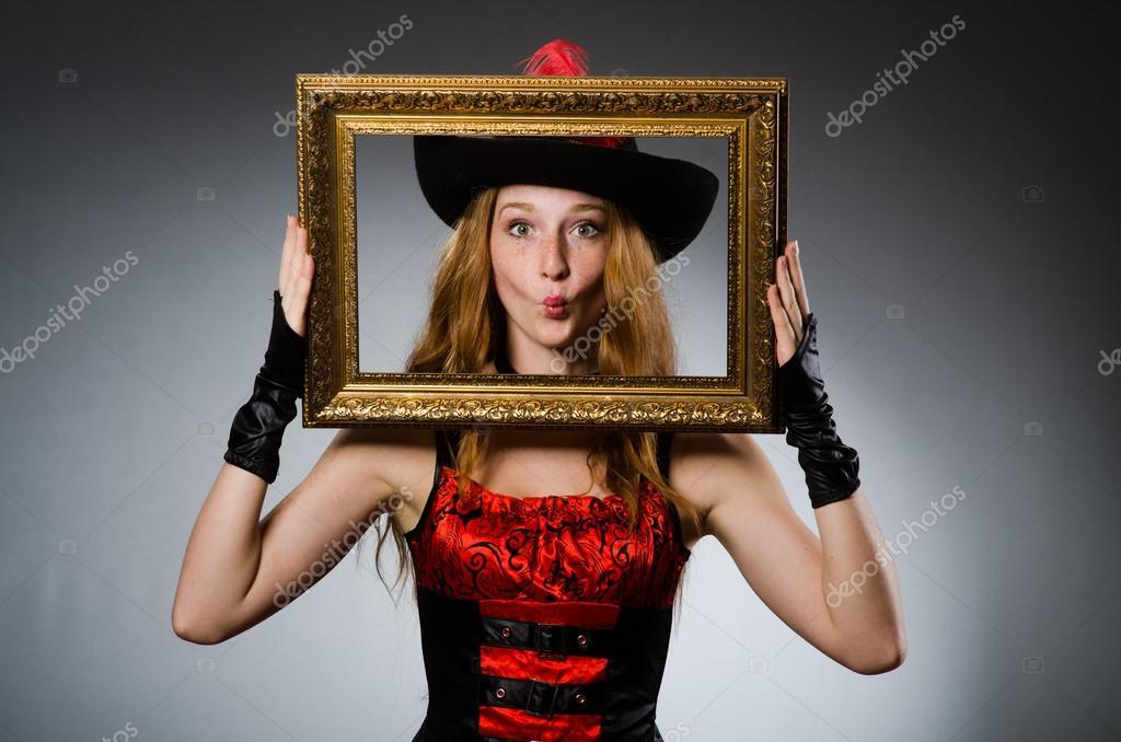 Frau Pirat mit Bilderrahmen — Stockfoto © Elnur_ #57365247