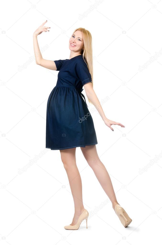 28c21ff05 Hermosa mujer embarazada en vestido azul aislado en blanco — Fotos de Stock