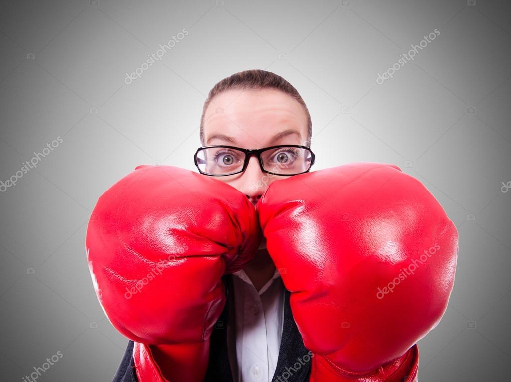 оптический старушка с боксерскими перчатками прикольные картинки корни нашли выражение