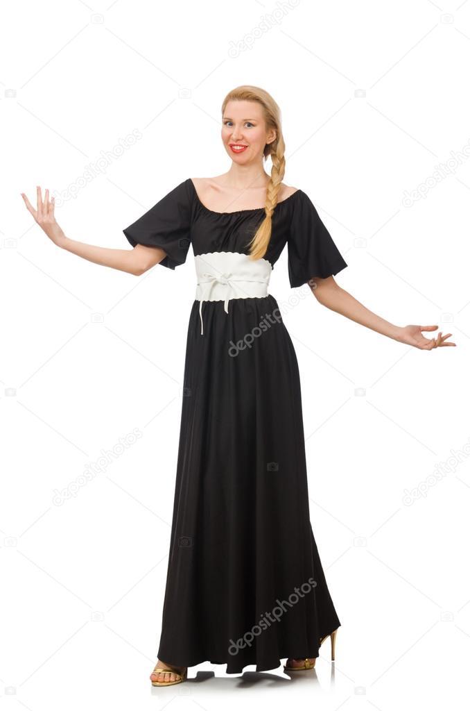 Mujer alta vestida de negro