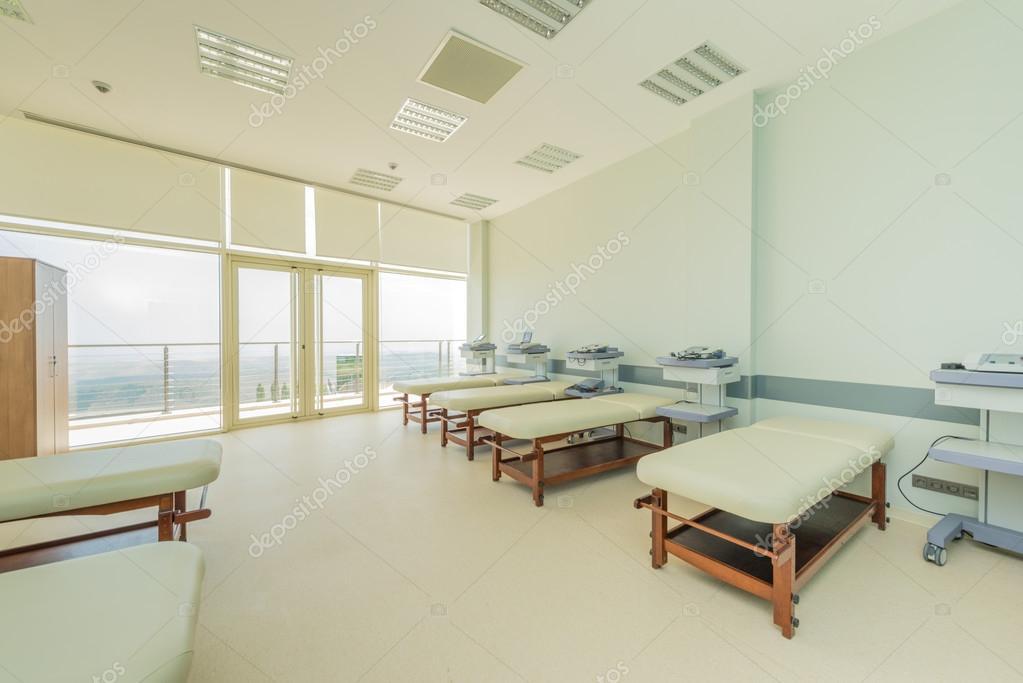Chambre à l\'hôpital moderne — Photographie Elnur_ © #83046142