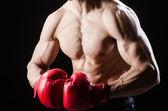 Muskulösen Mann in Boxen-Konzept