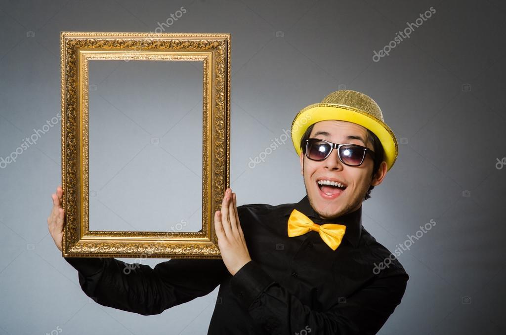 Lustiger Mann mit Bilderrahmen — Stockfoto © Elnur_ #88841888
