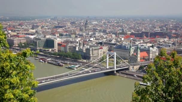 Nyári látkép az Erzsébet híd-Duna, Budapest