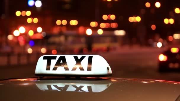 Svítící nápis Taxi