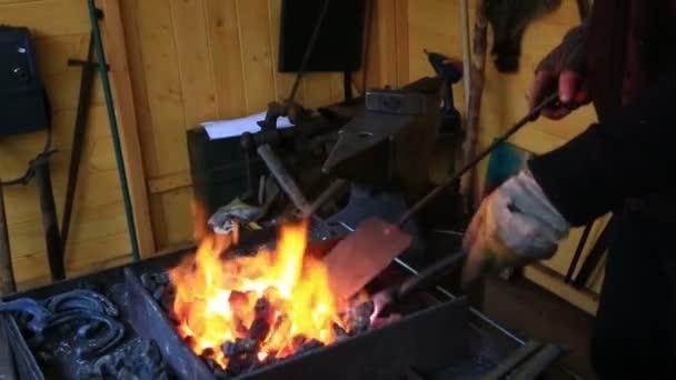 Smith kindles coals