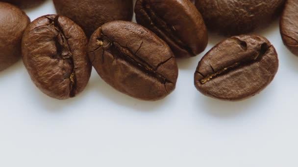 pražená kávová zrna, rotační