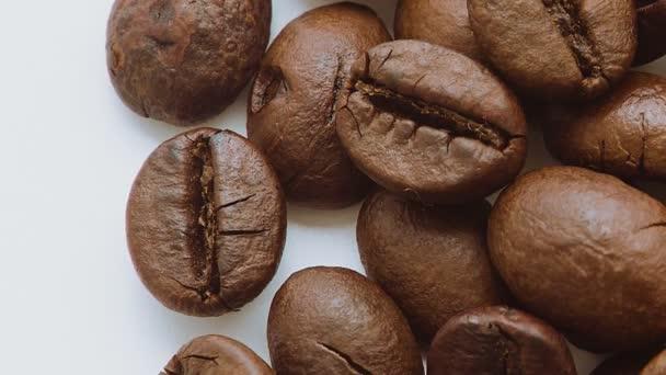 pražená kávová zrna, rotační.