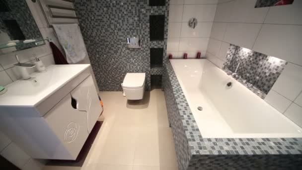 Interiér plnohodnotná koupelna s vanou