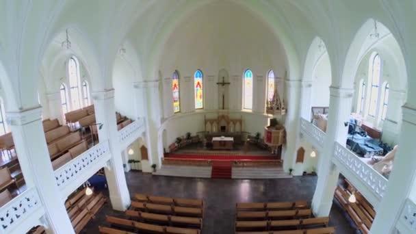 Bänke und Heiligtum in evangelisch-lutherische Kathedrale