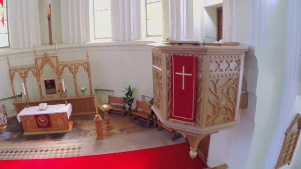 Altar und Kanzel in Halle