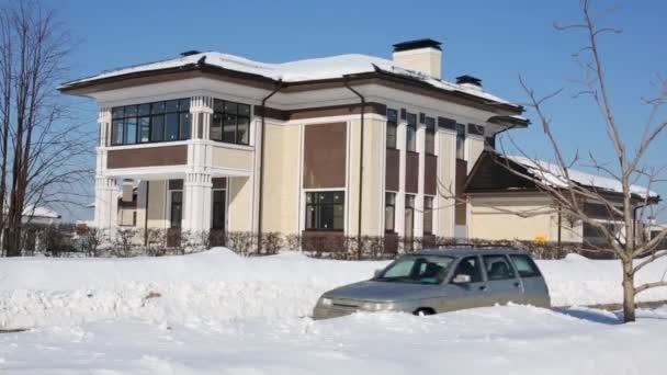 zweistöckiges modernes Ferienhaus