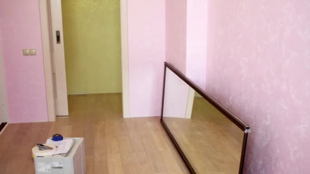 Összeszerelt csúszó szekrény