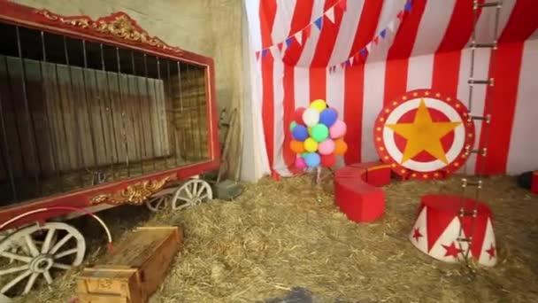 Bewegung im Zirkus-Chapiteau
