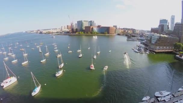 Panorama s Boston Harbor jachtařského klubu