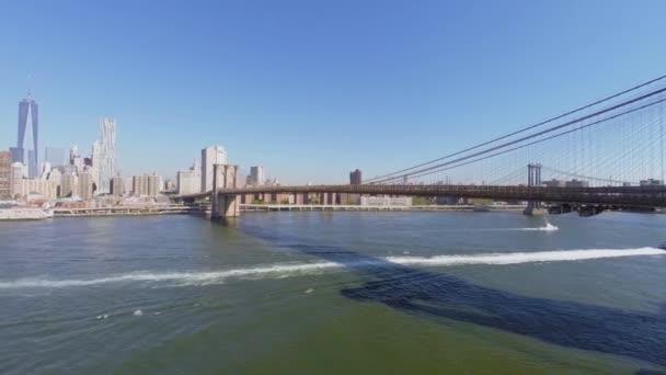 East River s Brooklynský most
