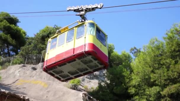 moving big yellow funicular wagon