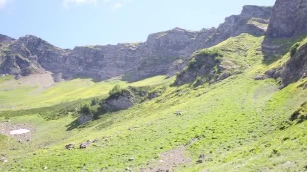krásné horské vrcholy
