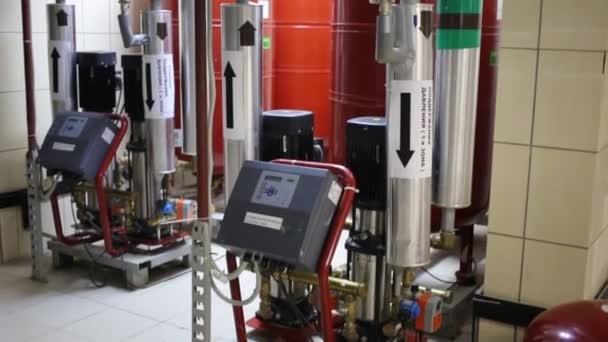 potrubí a zařízení pro vytápění pro rezidenční komplex