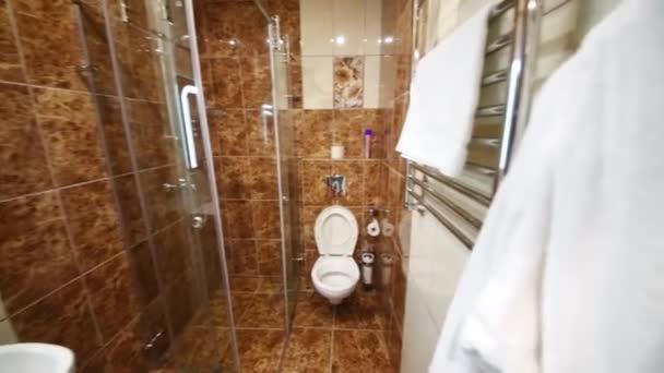 belső fürdőszoba a szobában