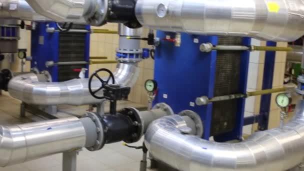 Rohre und Geräte zur Wärmeversorgung für Wohnkomplex