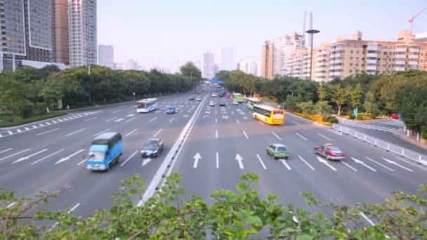 Dvanáct lane dálnici provoz