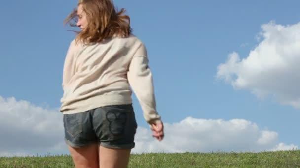Three young girls run away
