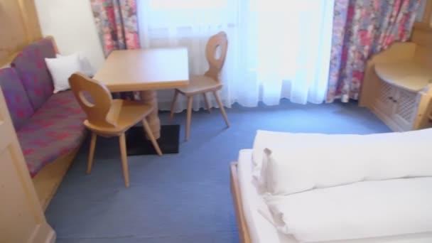 Hotelový pokoj s lůžky