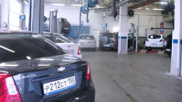 Chevrolet stojí v centru služeb