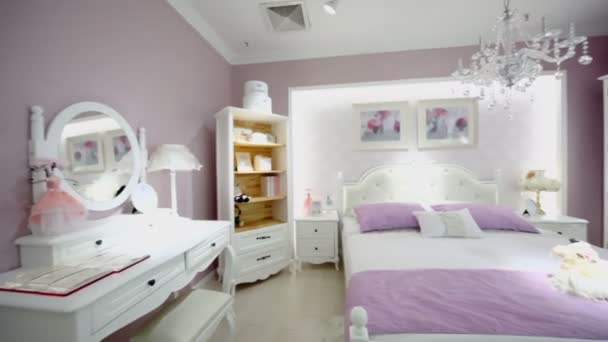 Camera da letto femmine nei colori rosa