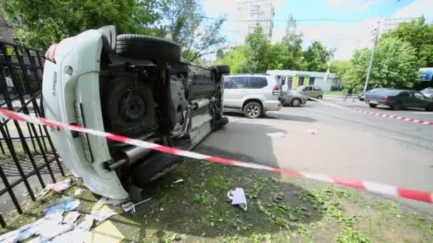 Varovném pásku u dopravní nehody