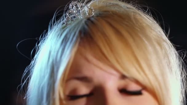 Young blonde with small crown