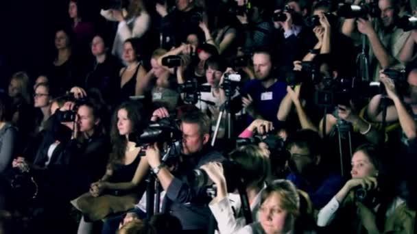 Fotografen arbeiten bei Volvo Fashion Week