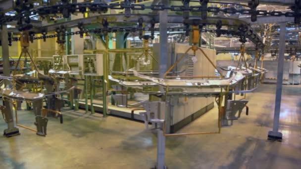 Výrobní linka pohybuje náhradní díly