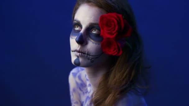 Model s rozzlobený make-up