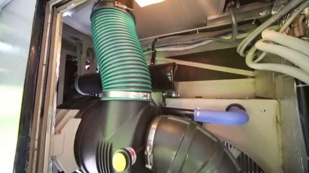 Working hybrid bus air conditioner