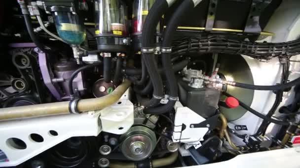Dolgozni busszal motor nyitott ajtó