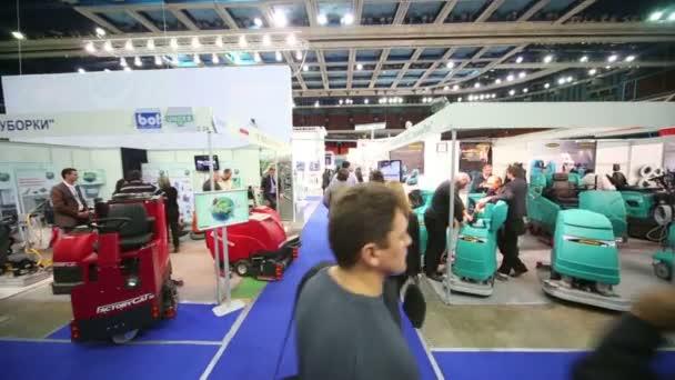 Prezentace stroje na čištění podlah
